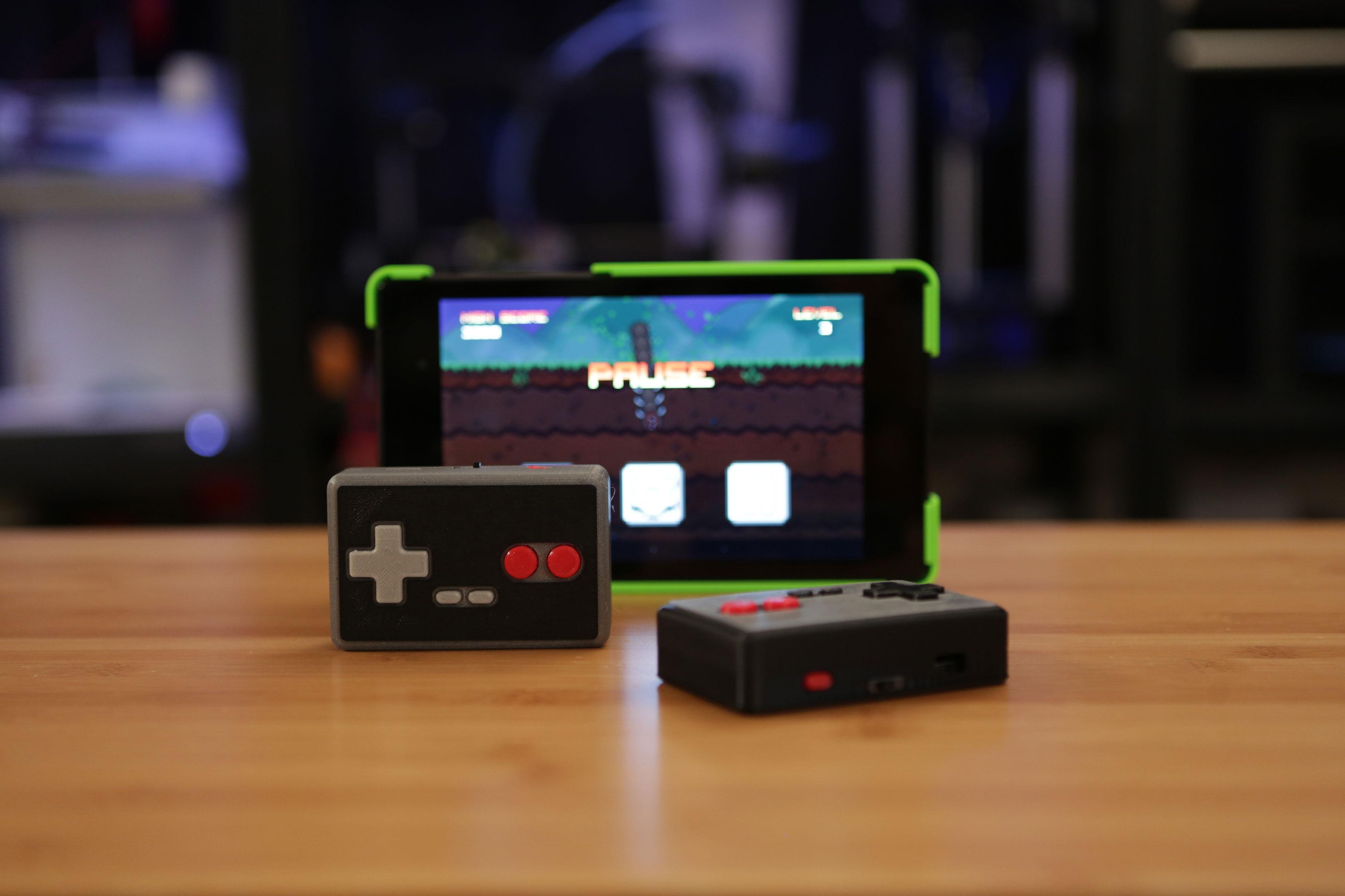 gaming_two-pads-tab-b.jpg