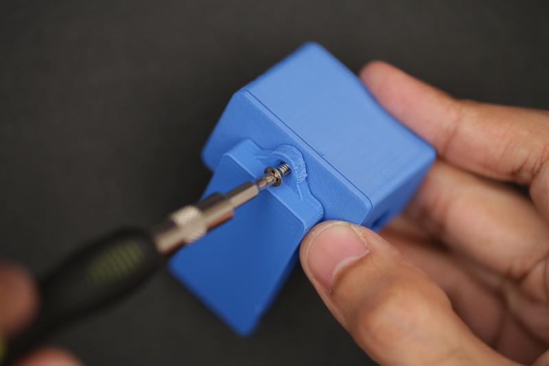 microcontrollers_fasten_back_clip.jpg