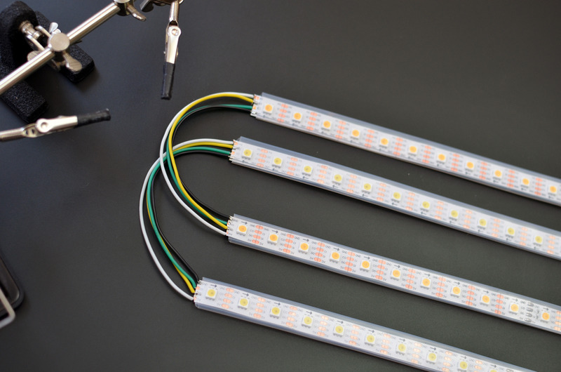 led_strips_roll-up-video-light-wires-round-bend.jpg