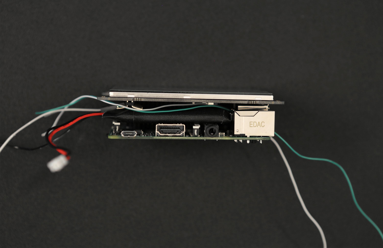 hacks_battery-sandwich-wires.jpg