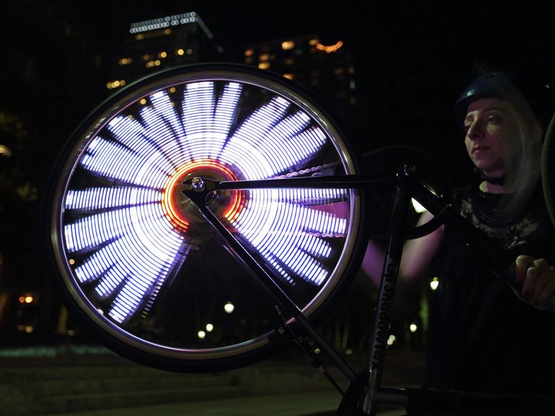 projects_Bike_Wheel_POV_Display_adafruit_03.jpg