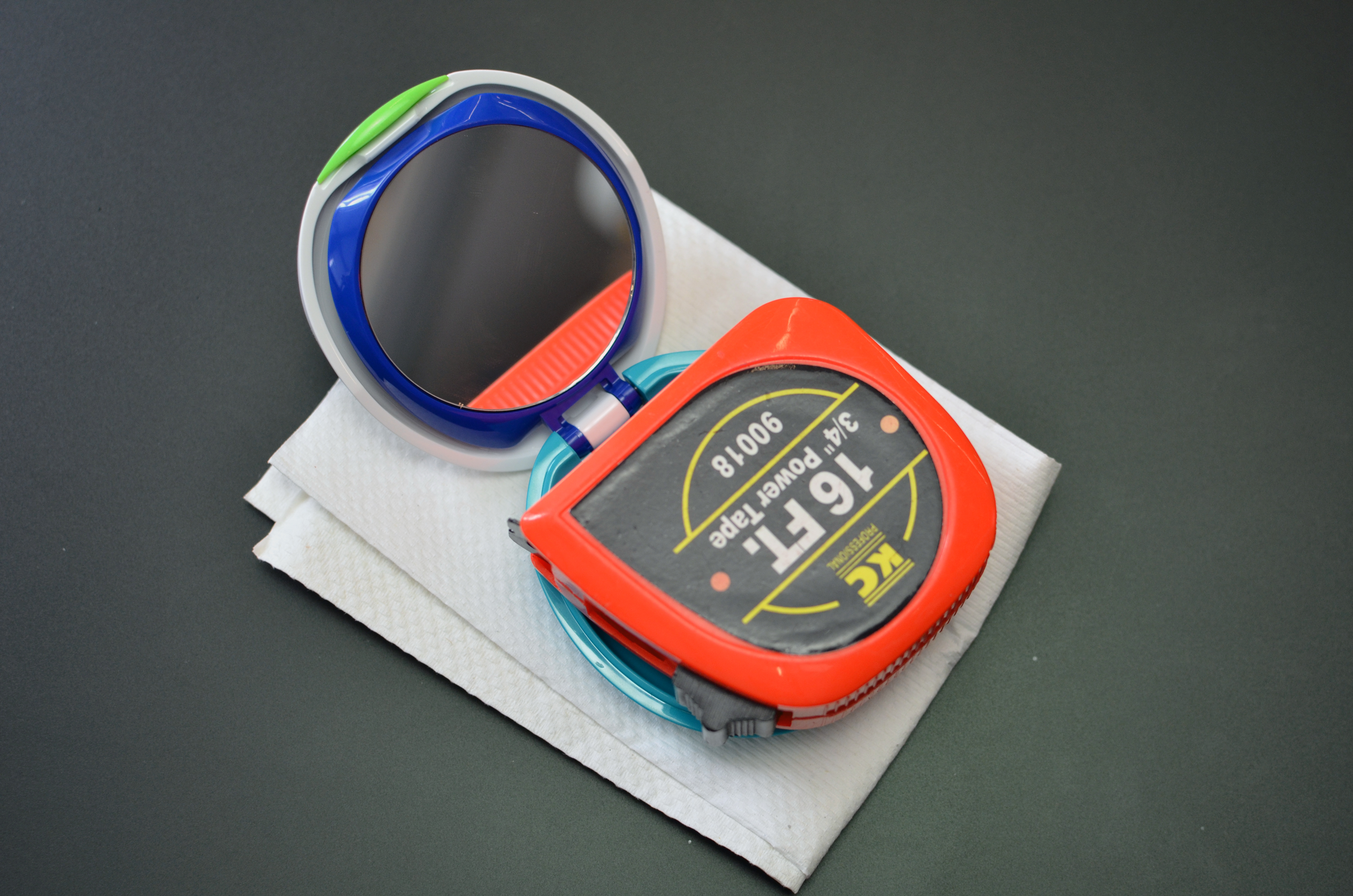 projects_DIY-LED-makeup-compact-mirror-04.jpg
