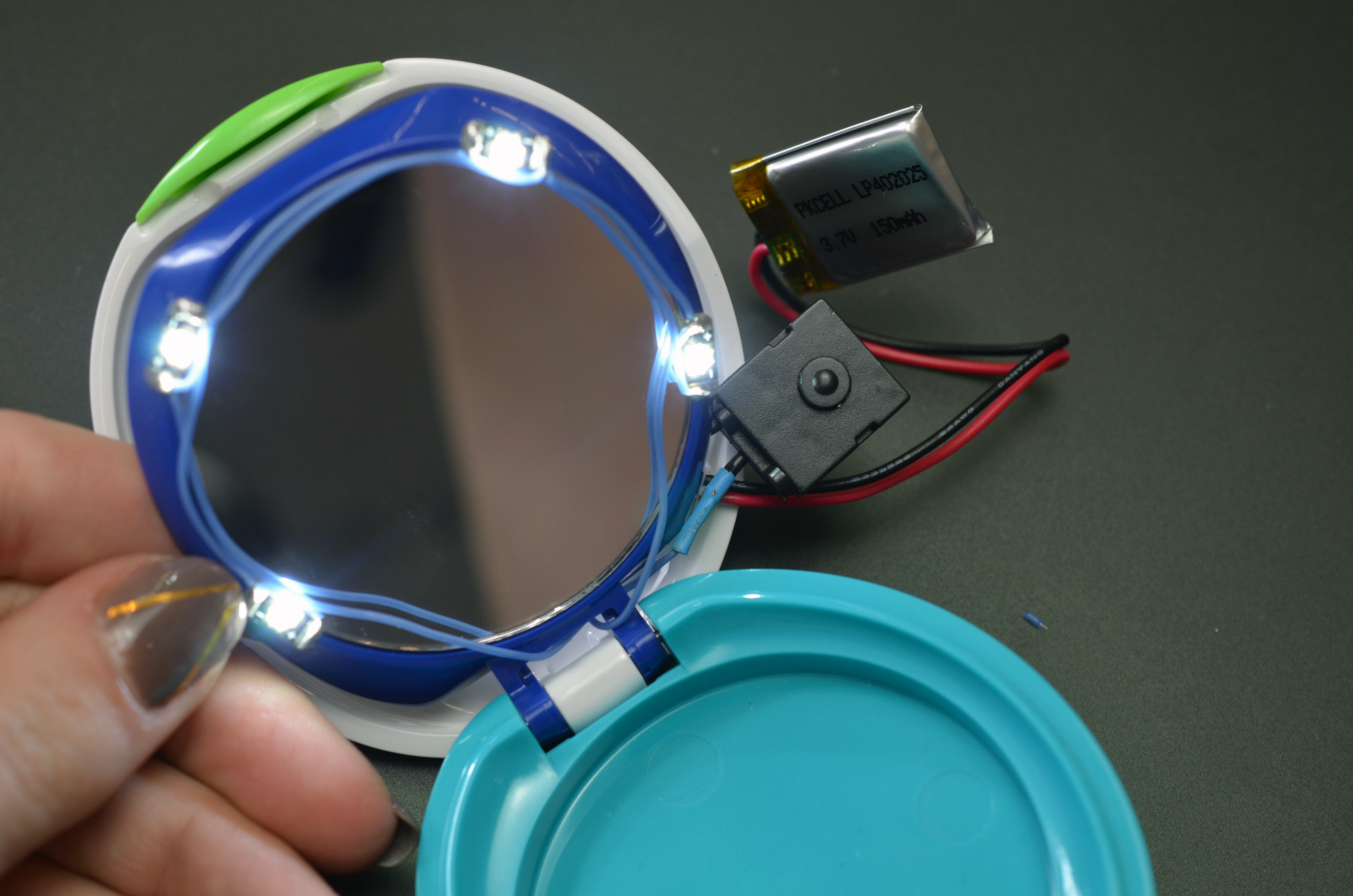 projects_DIY-LED-makeup-compact-mirror-14.jpg