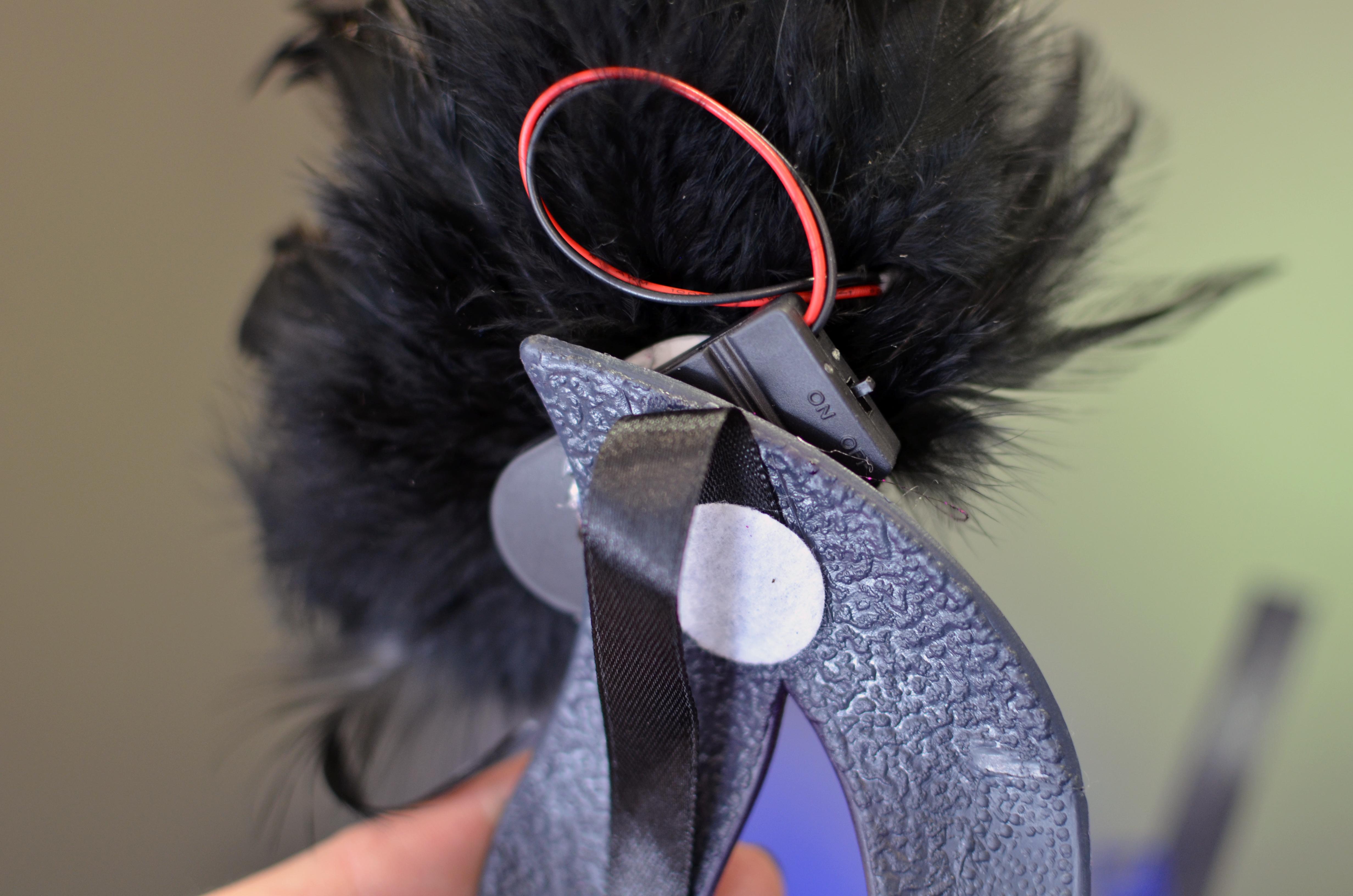 leds_blue-sequin-mask-battery-pack.jpg
