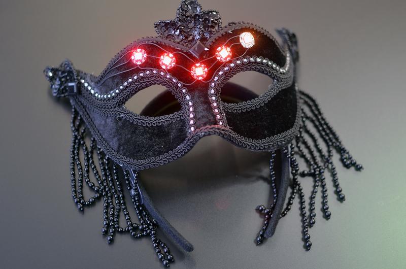 leds_black-neopixel-gemma-masquerade-mask.jpg