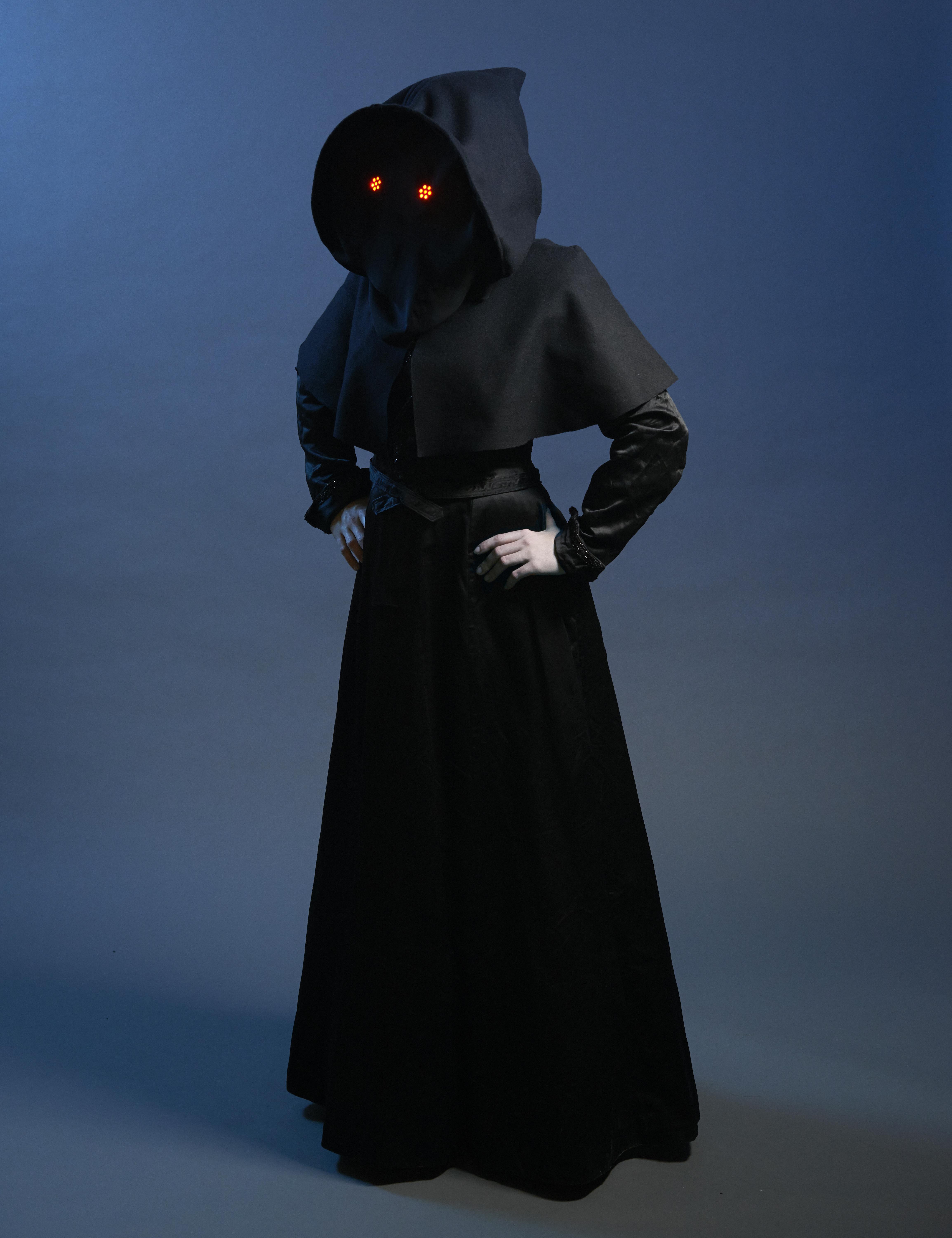 led_pixels_Mystical_Halloween_Hood_3756.jpg