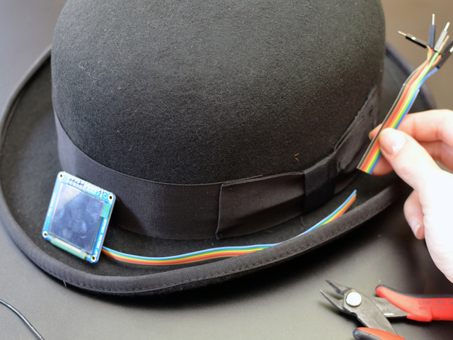 light_eyeball-bowler-hat-07.jpg
