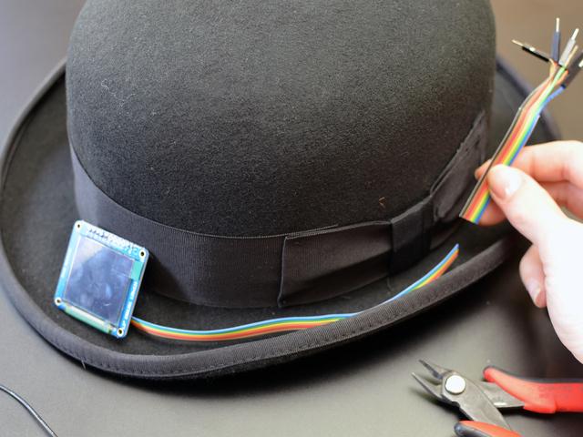 light_eyeball-bowler-hat-07.jpg