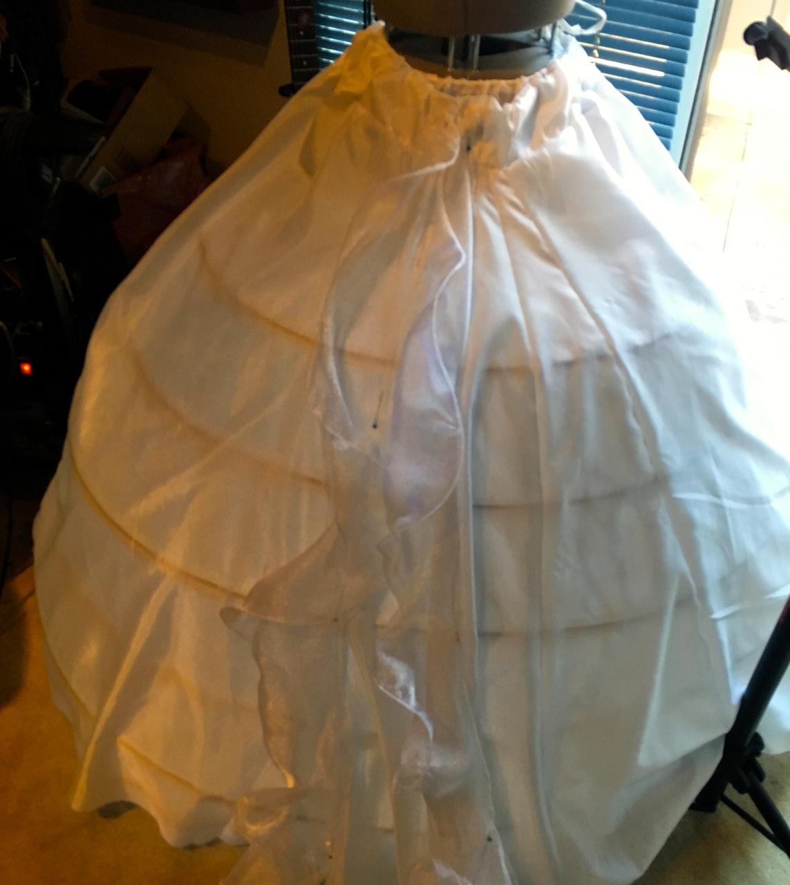 leds_pin_to_skirt.jpg