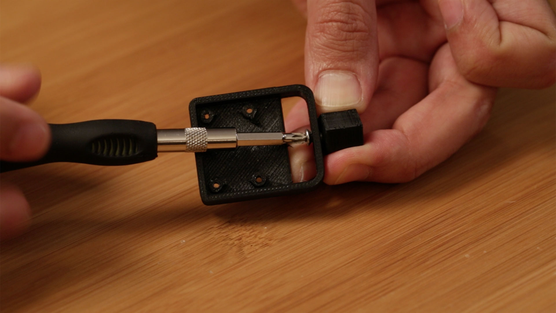 raspberry_pi_screw-adapter-back.jpg