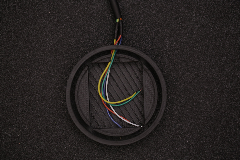 leds_thread_wires_bat_case.jpg