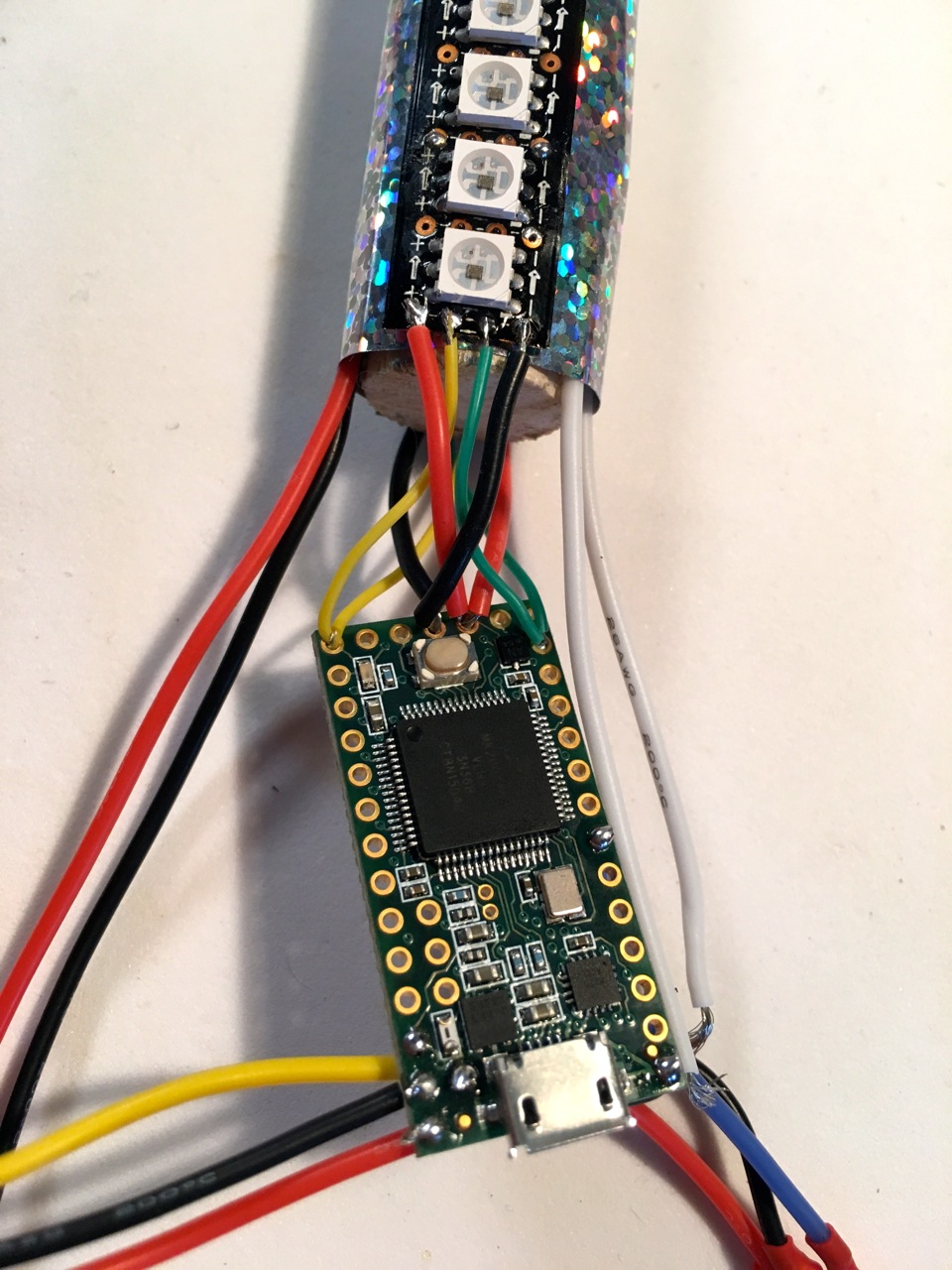 microcontrollers_21_leds_wired.jpg
