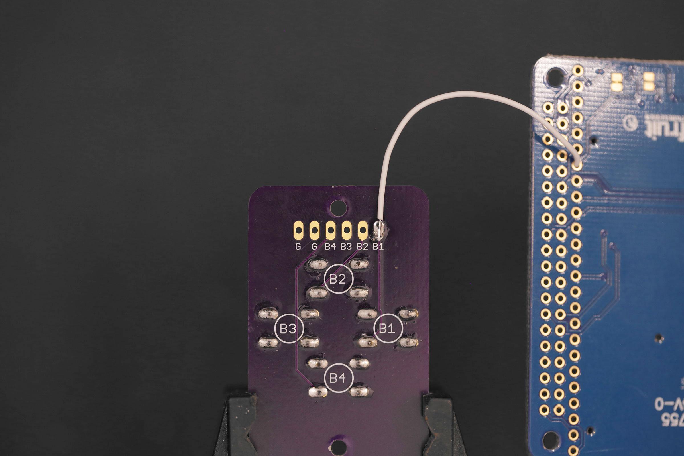 raspberry_pi_gamepad-solder-wire.jpg