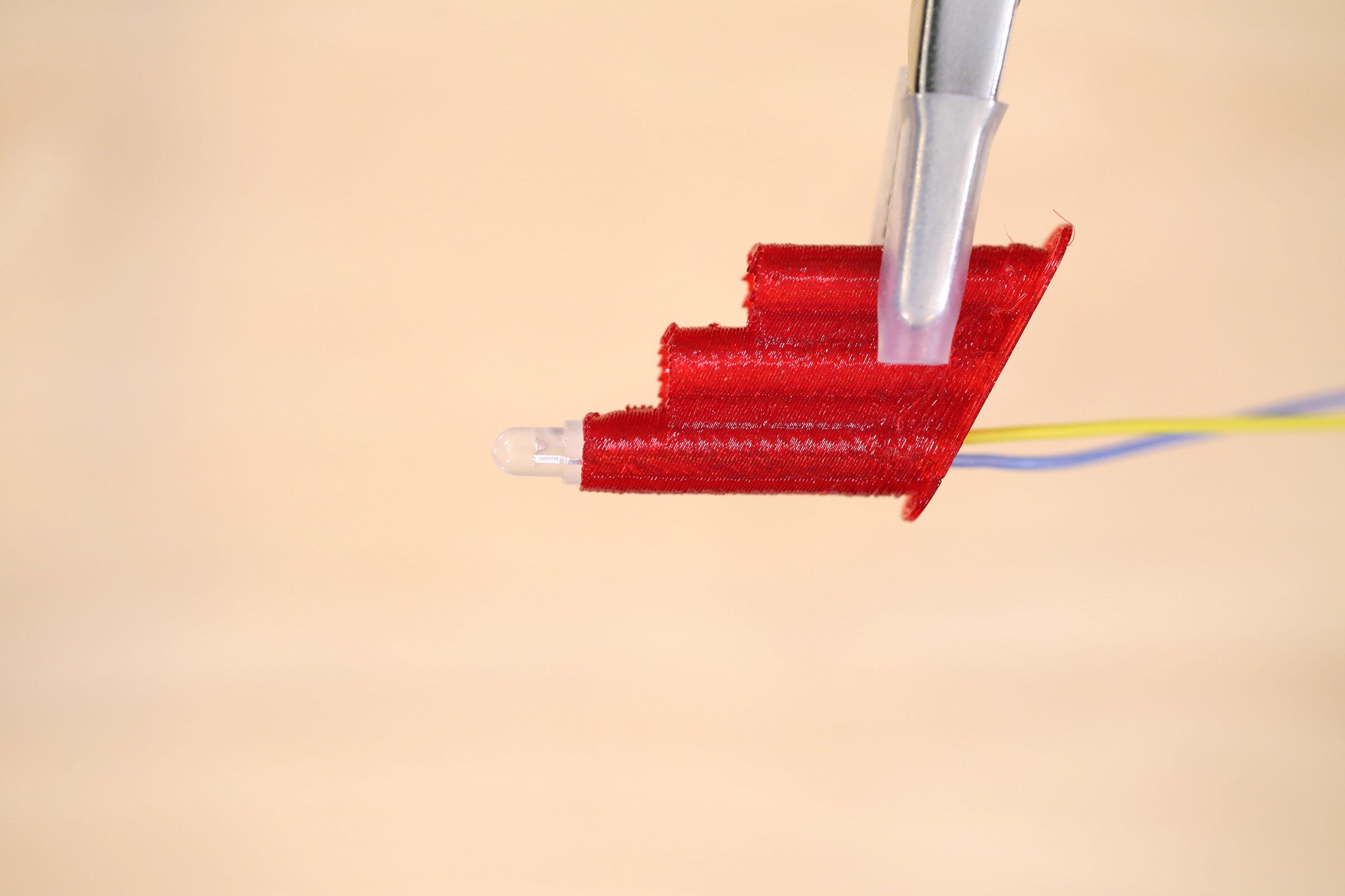 raspberry_pi_led-inserted-antenna.jpg