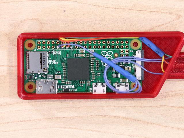 raspberry_pi_pi-installed-case.jpg