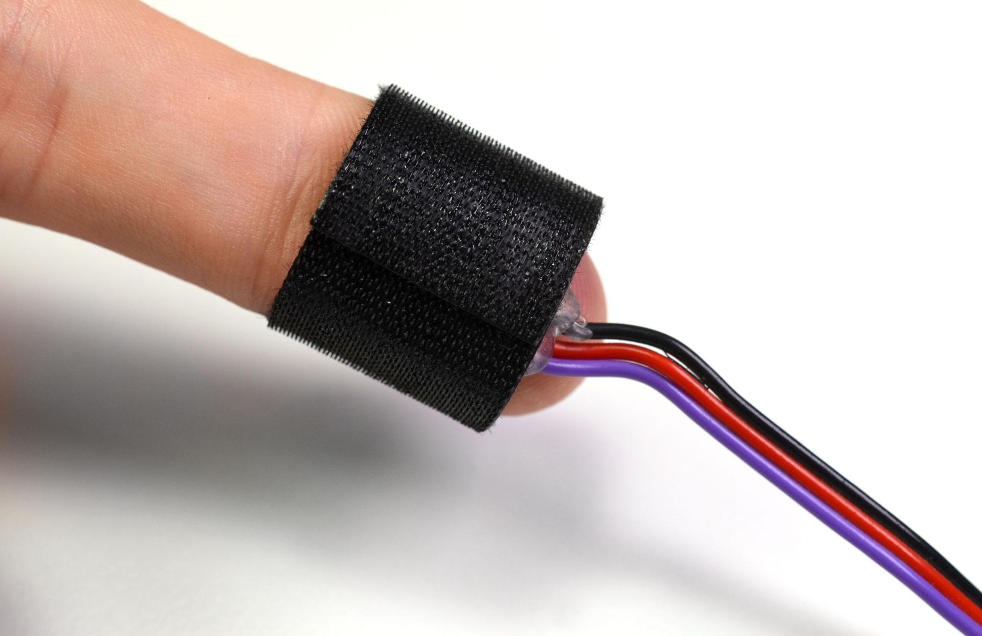 biometric_ps_on_finger2.jpg
