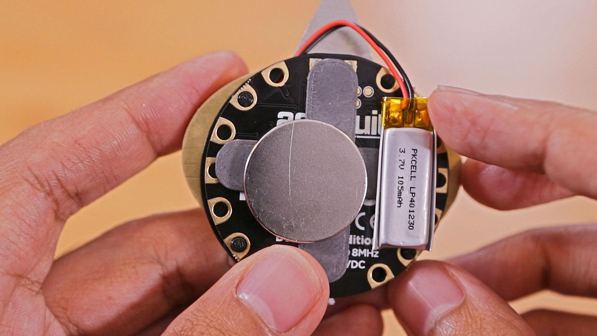 circuit_playground_mount-battery.jpg