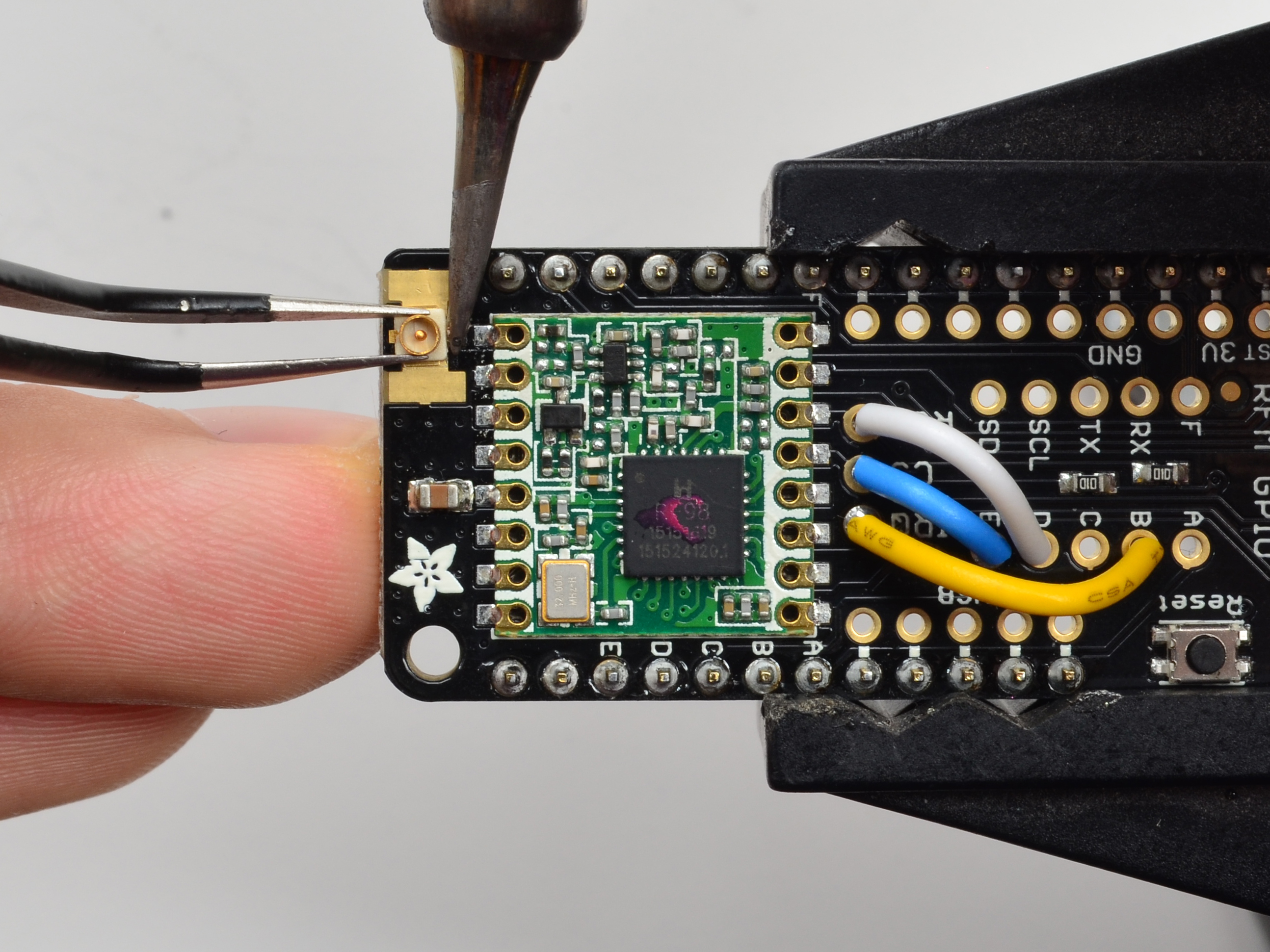 feather_UFL-4_solder1.jpg