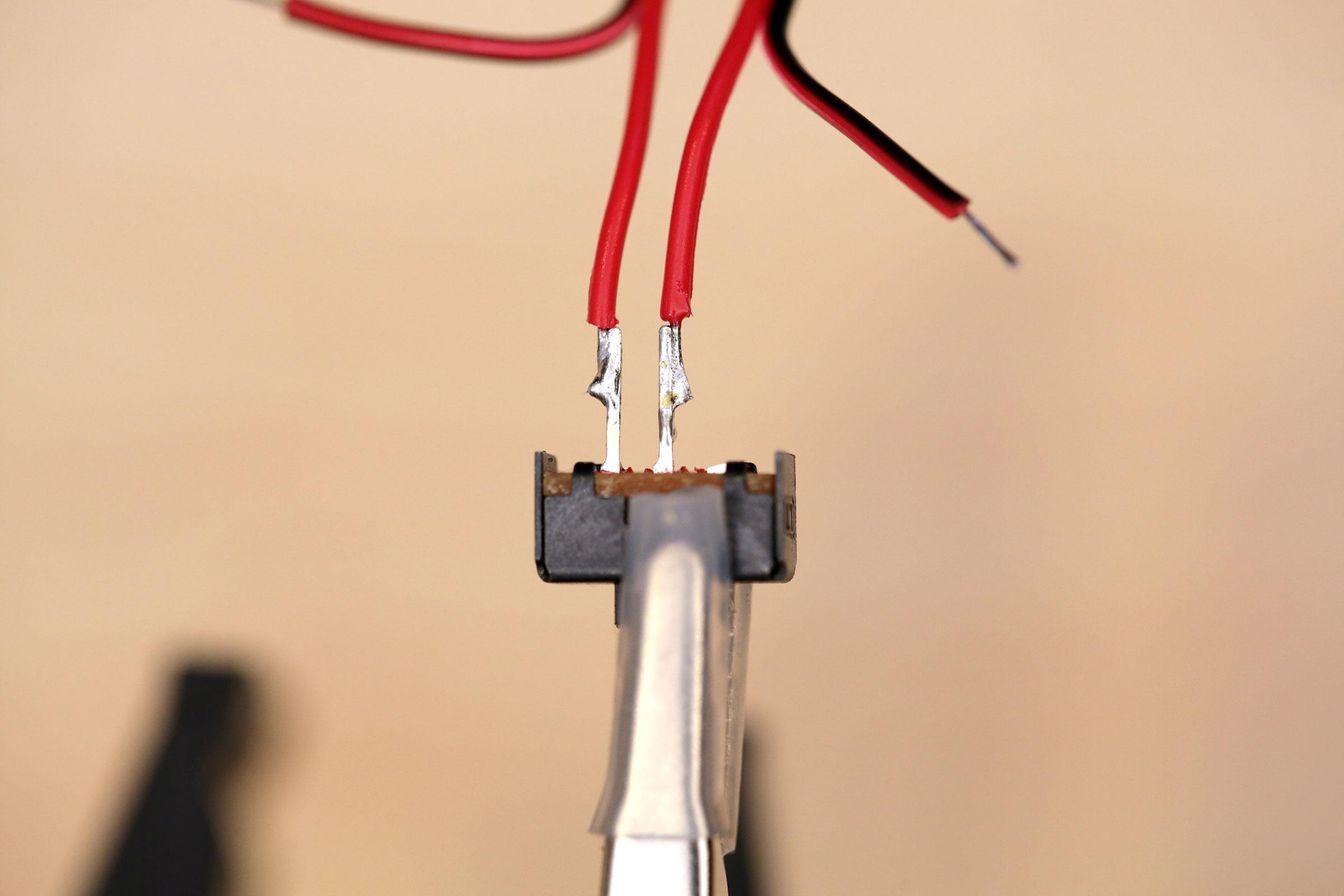 circuit_playground_switch-wire-solder.jpg