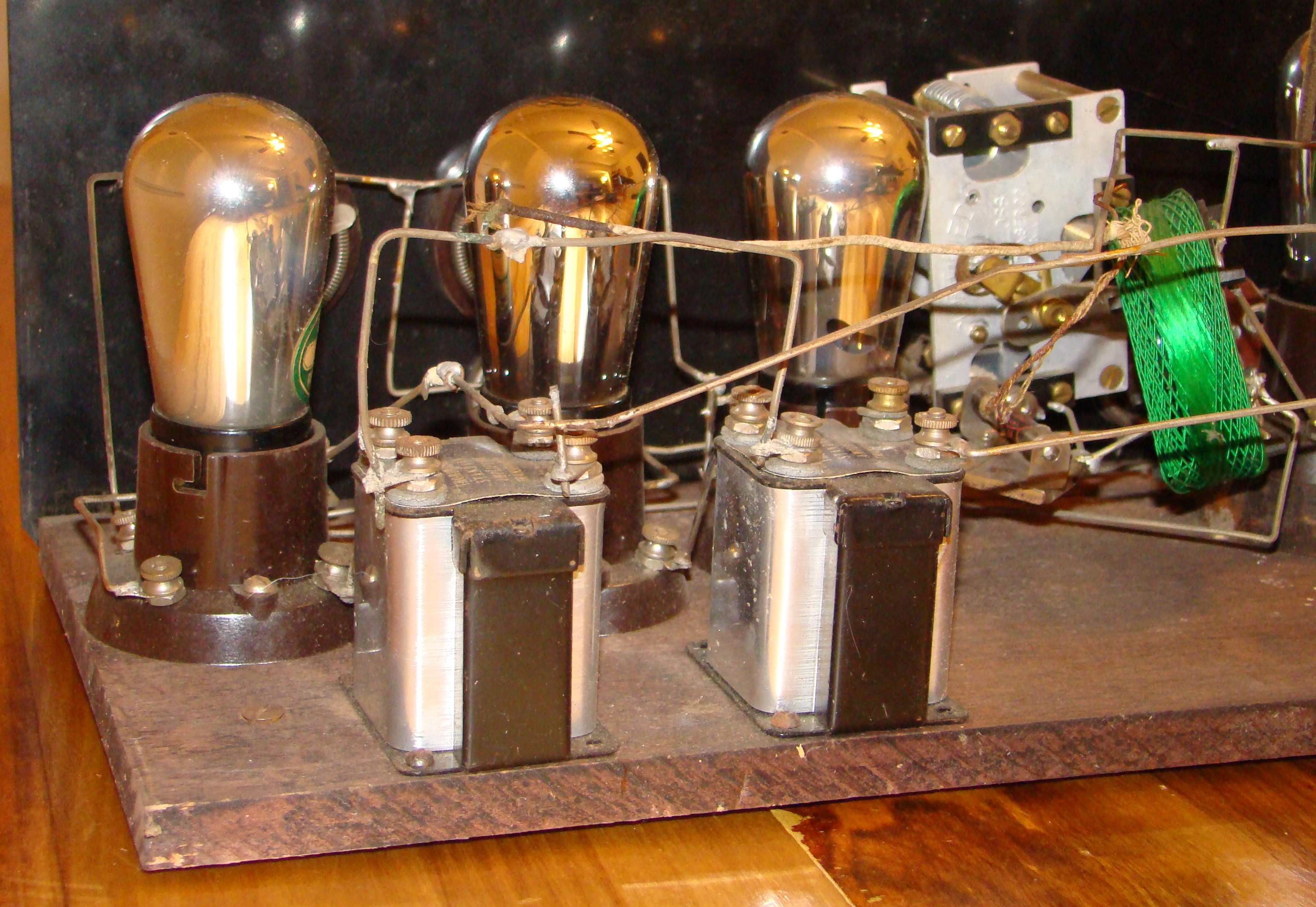 components_1920s_TRF_radio_manufactured_by_Signal.jpg