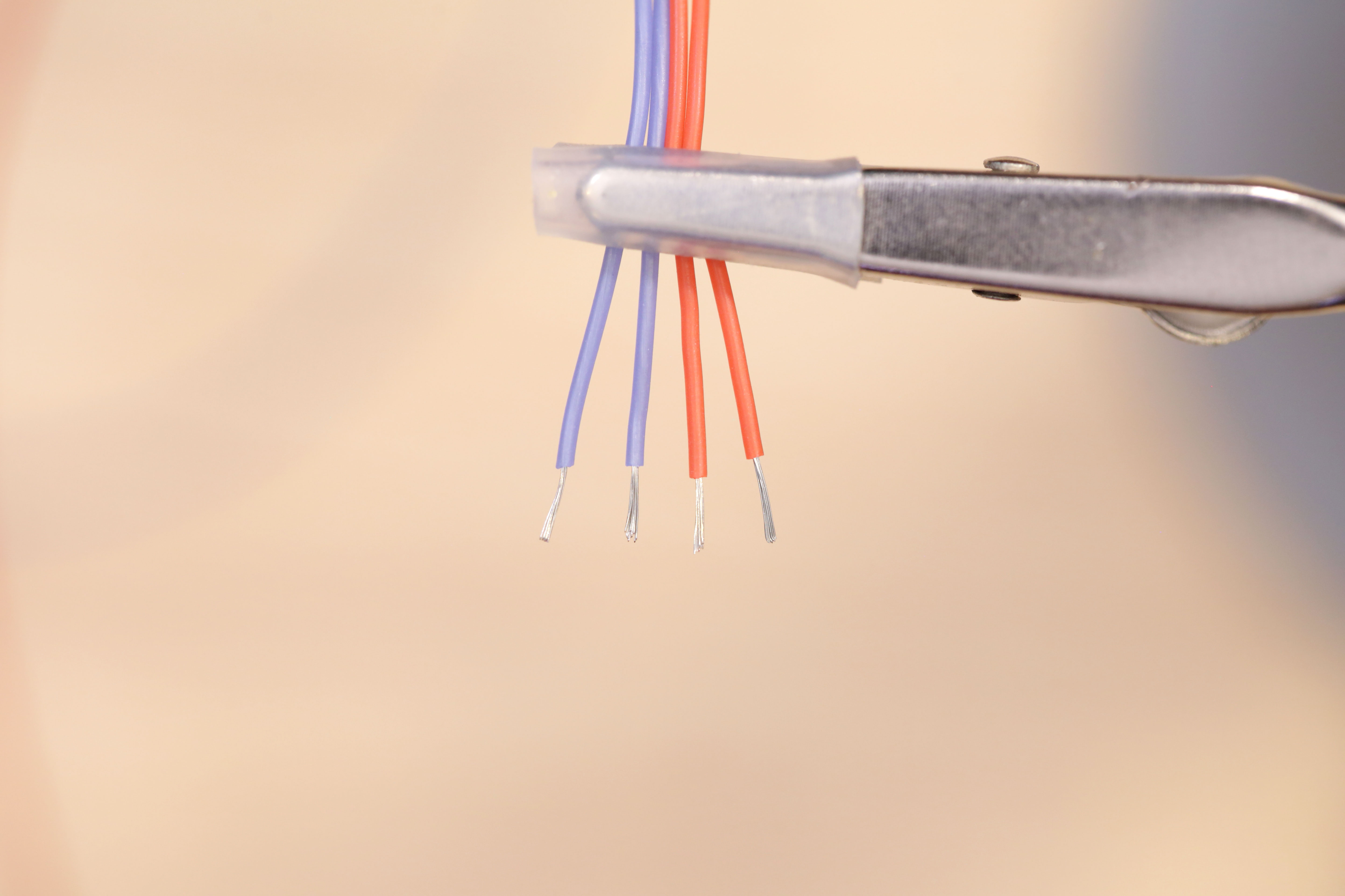 leds_wires-stripped.jpg