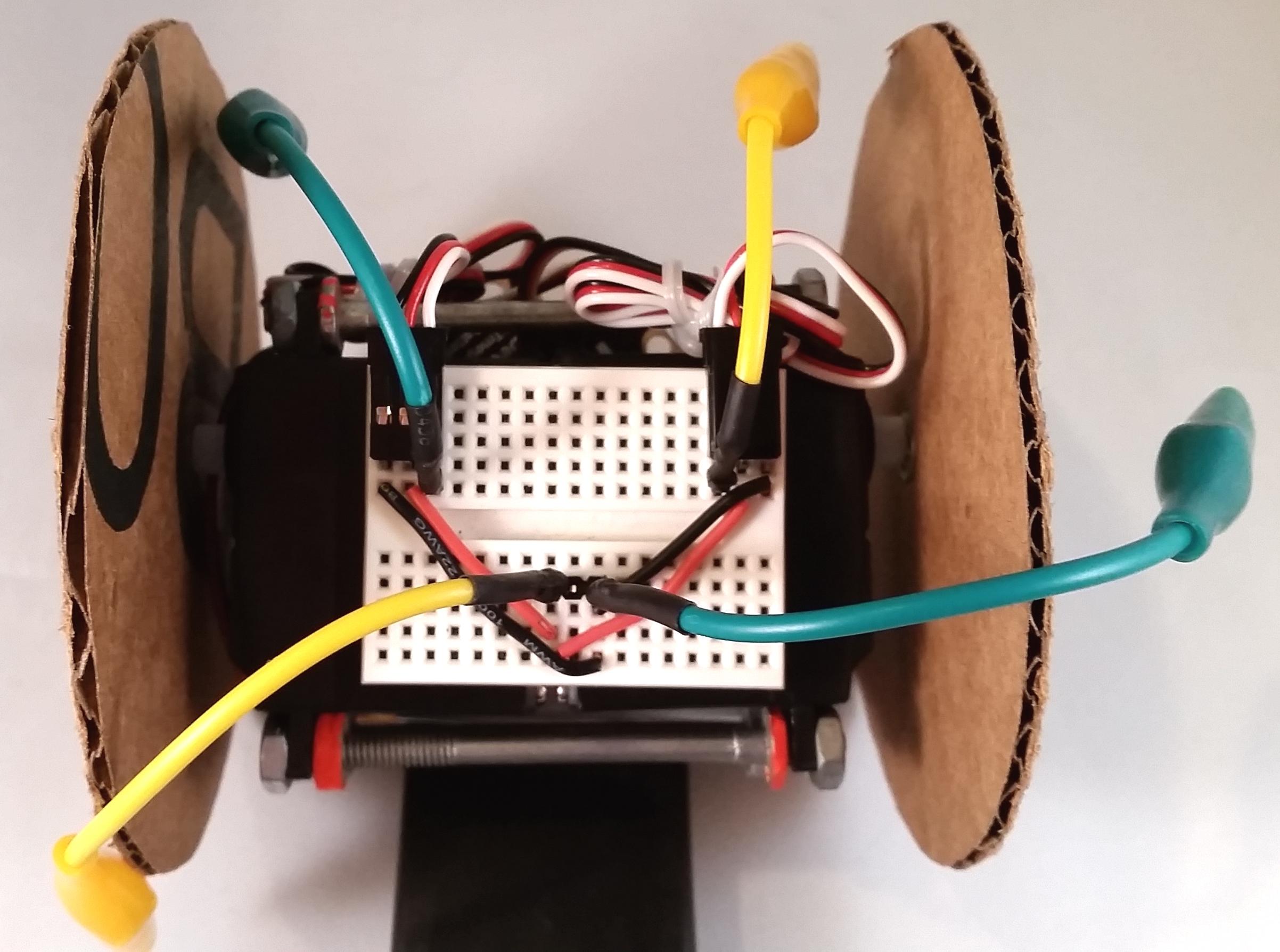 circuit_playground_add-clips.jpg