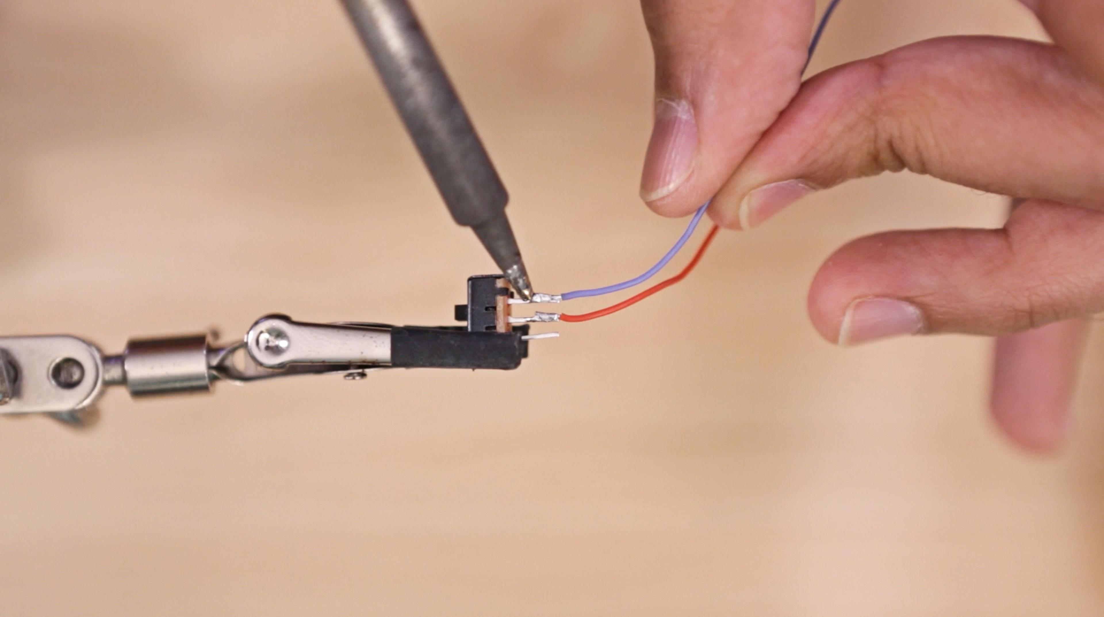 leds_slide-switch-solder.jpg