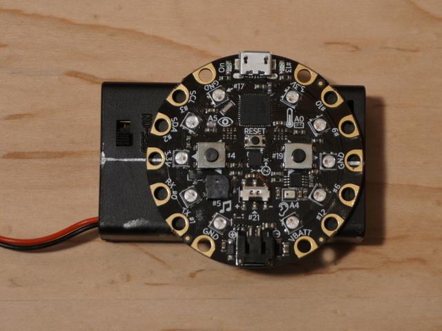 circuit_playground_assy_step_4.jpg