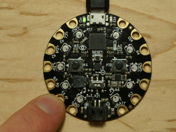 circuit_playground_touch_pin1.jpg
