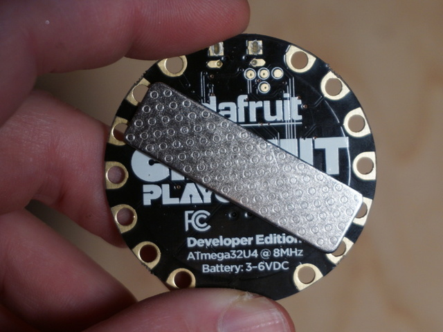 circuit_playground_mag_pin2.jpg