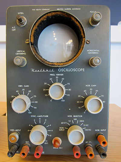 circuit_playground_Heathkit_Oscilloscope_OM-2-small.jpg