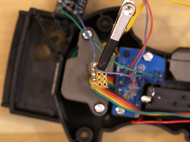 leds_button-gnd-wire.jpg