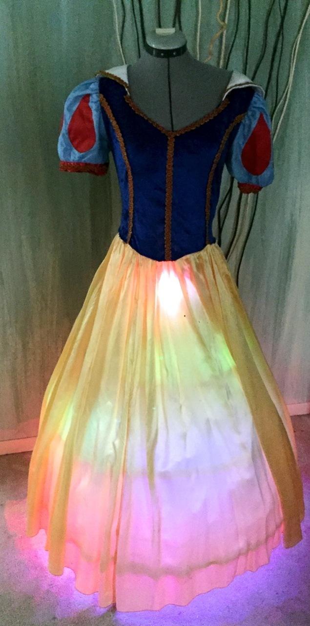 led_pixels_dress2.jpg
