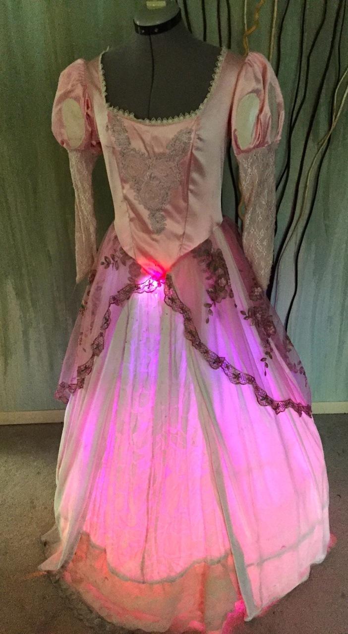 led_pixels_dress3.jpg
