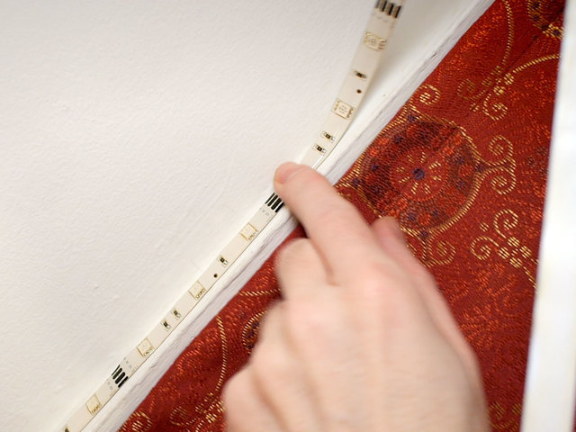 led_strips_molding1.jpg