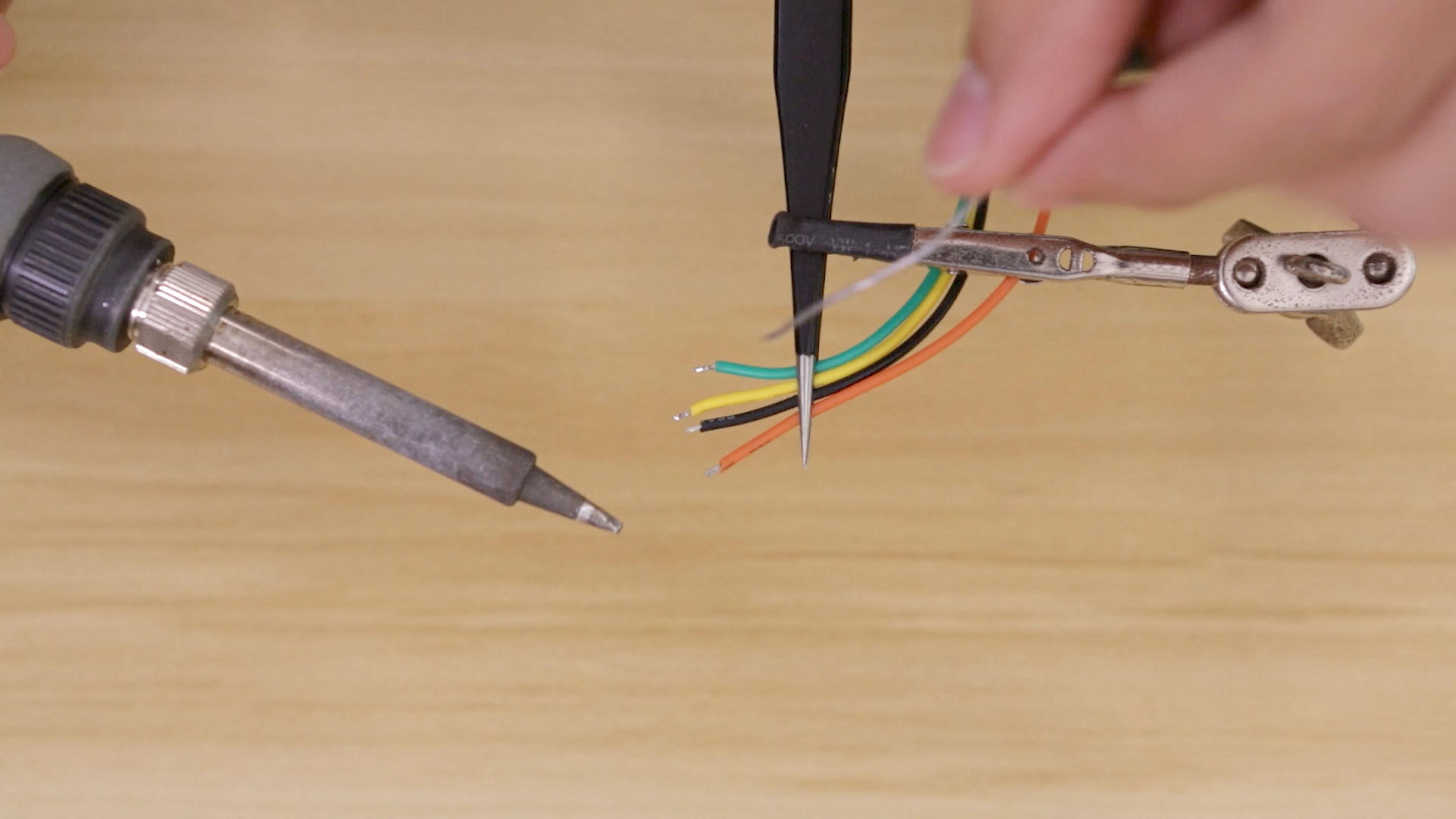 lcds___displays_wires-tin.jpg