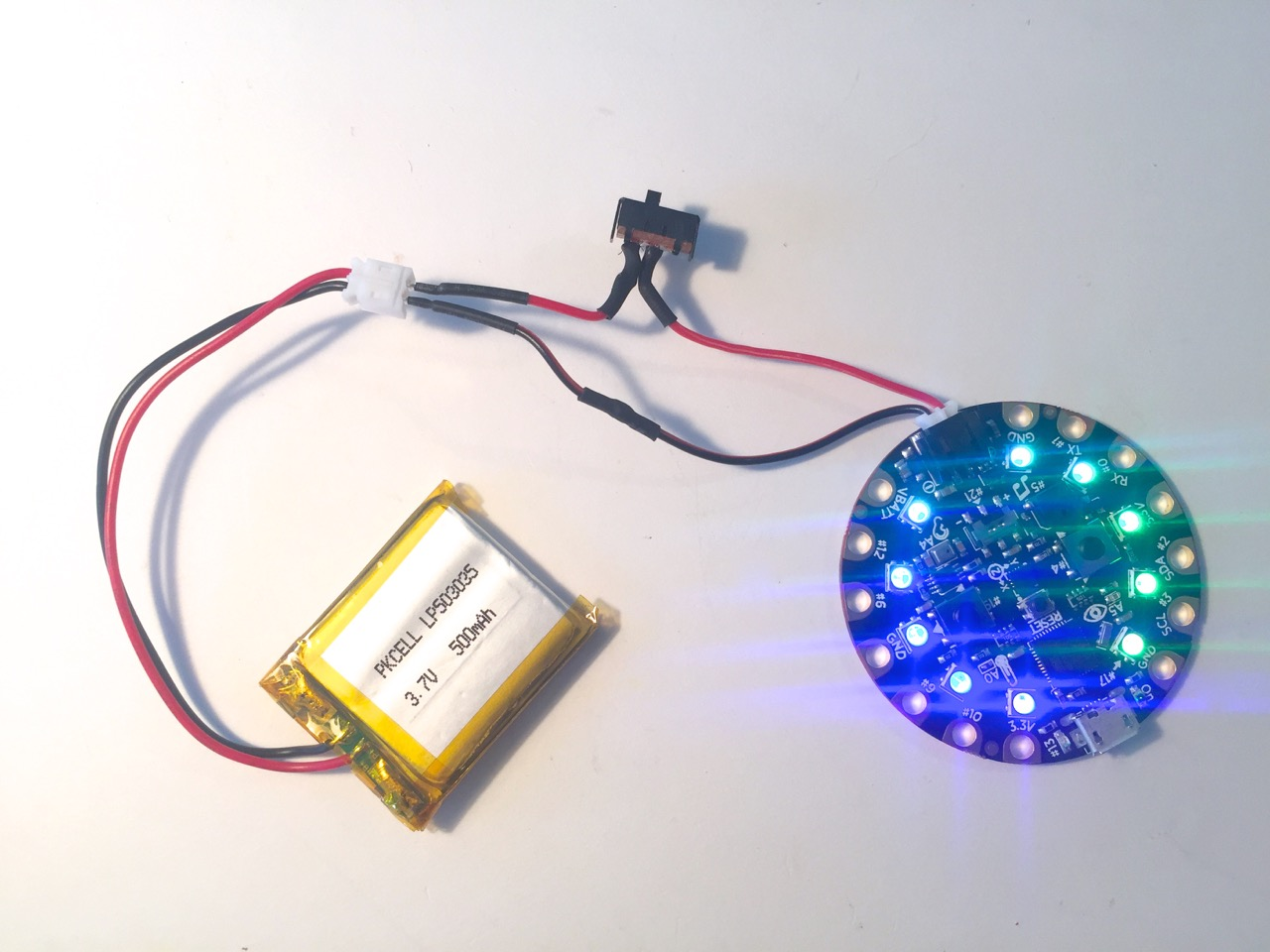 leds_circuit_playground_switched.jpg