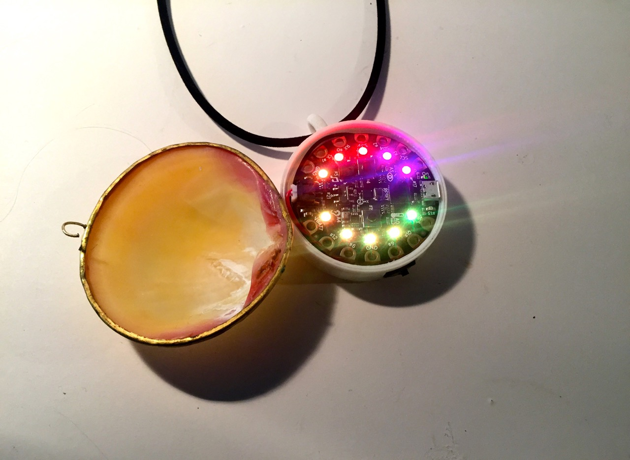 leds_necklace_open.jpg