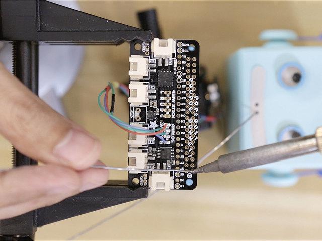 raspberry_pi_bonnet-header-solder.jpg
