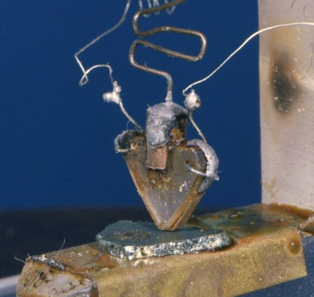 components_first-transistor.jpg