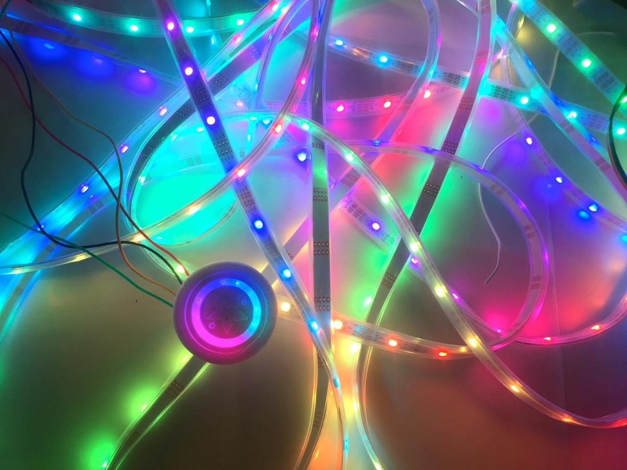 led_strips_14_glowing.jpg