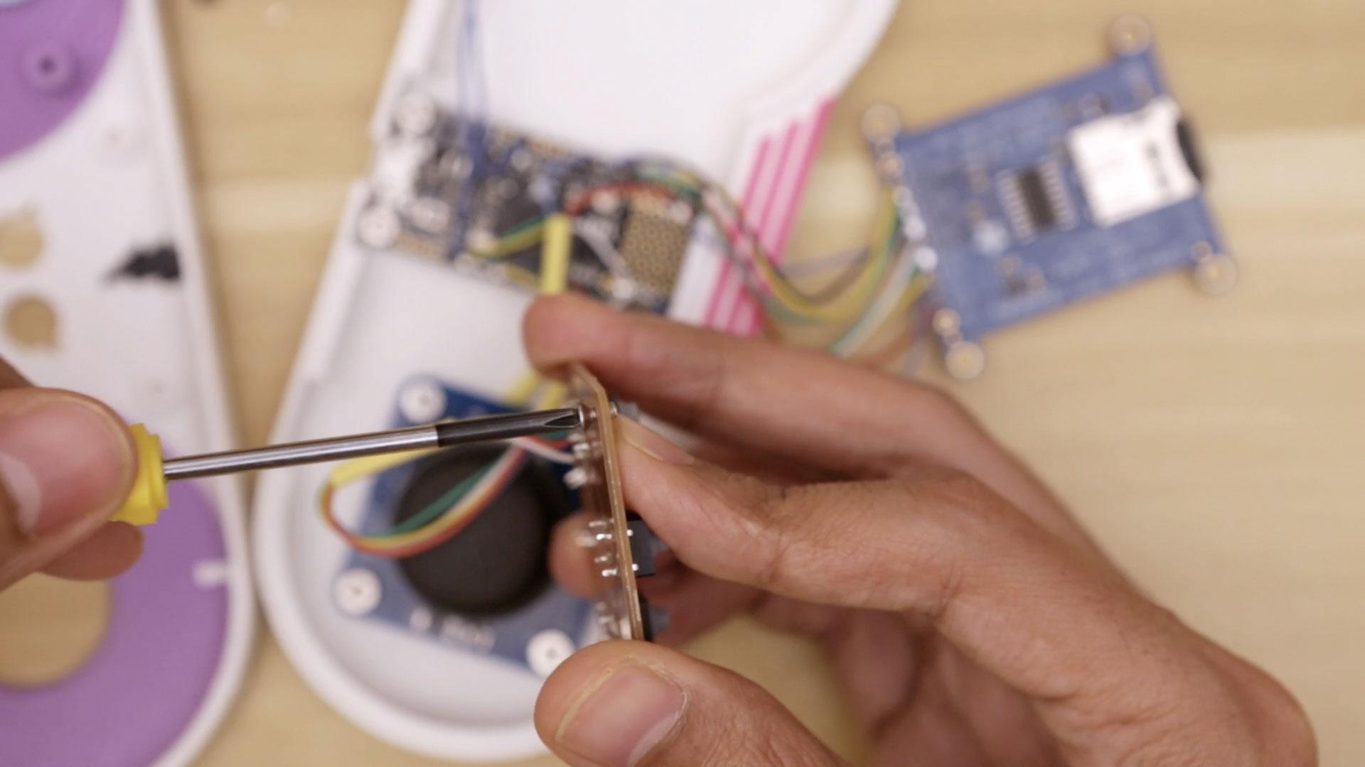 3d_printing_button-pcb-install-screws.jpg