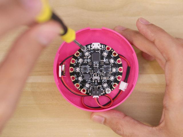 circuit_playground_cp-screws.jpg
