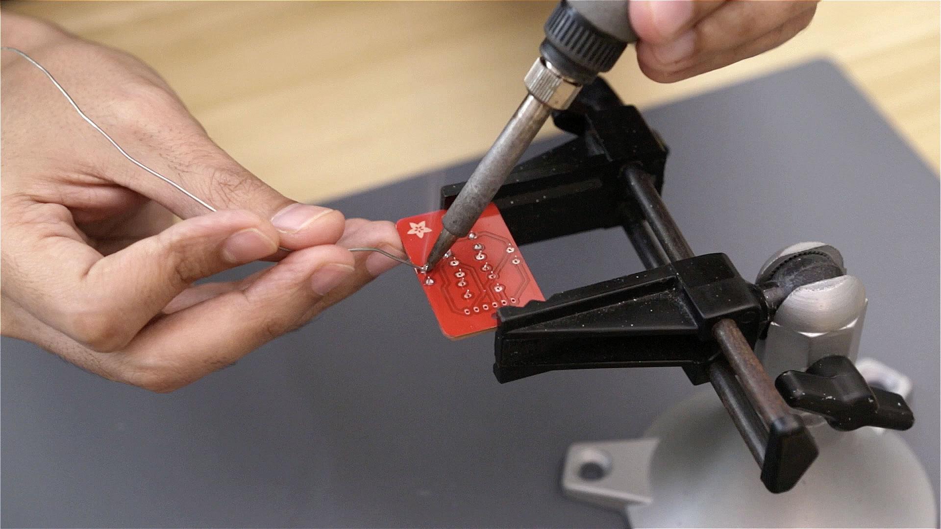 soldering_solder-pcb.jpg