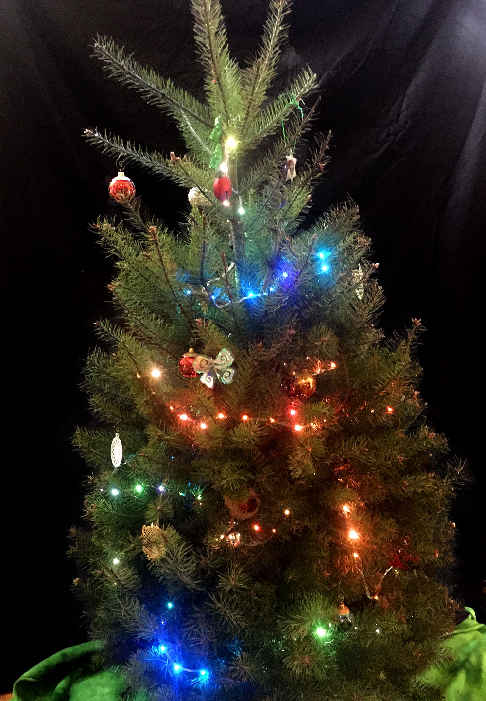 adafruit_products_christmastree_neopixels.jpg