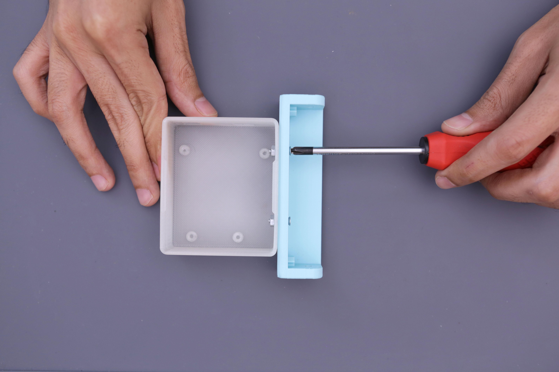 3d_printing_case-bar-mount-screwed.jpg