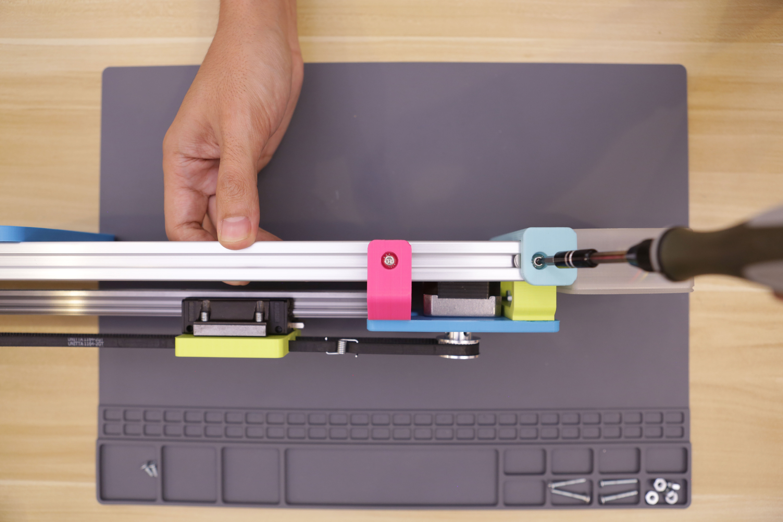 3d_printing_motor-assembly-tighten.jpg