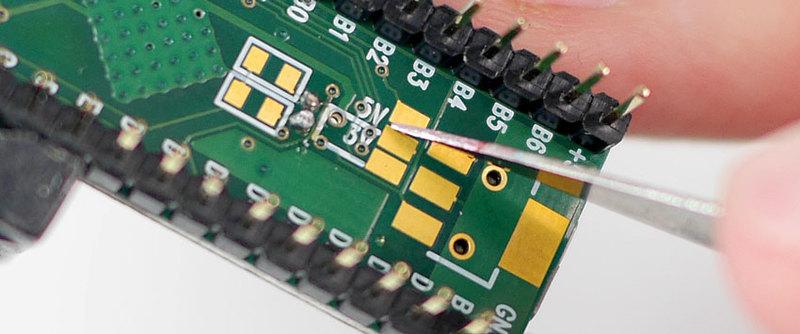 microcontrollers_cut_5v_trace.jpg