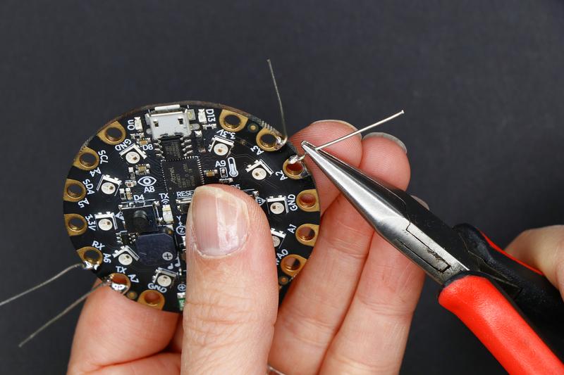 circuitpython_badgebuild_99_17.jpg