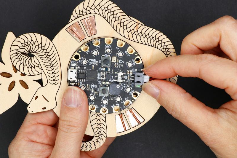circuitpython_badgebuild_99_124.jpg